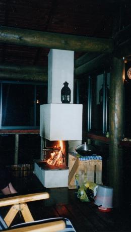pienen-tilan-terassi-avotakka-Majutsaari-1